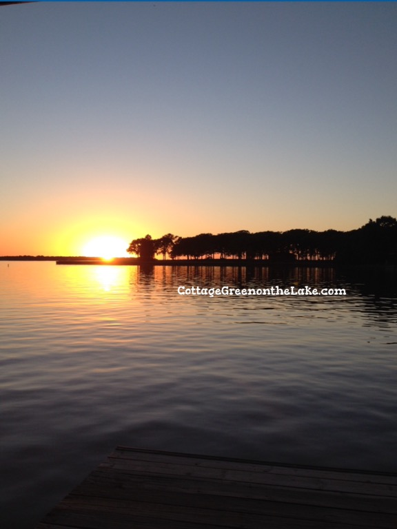 Cottage Green on the Lake … Labor Day Weekend on the shores of Cedar Creek Lake and 2 Favorite Picnic-Fare Recipes by Trenda