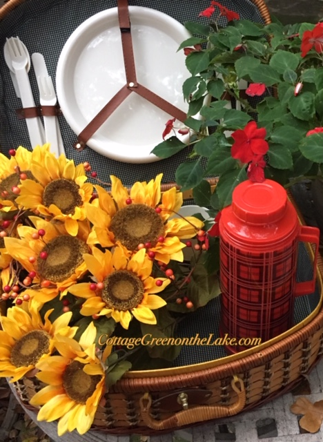"Autumn Picnic and ""Skillet Express … Smoked Sausage andSquash"""